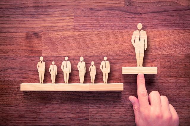 ¿Qué relación hay entre ética laboral y desempeño profesional?